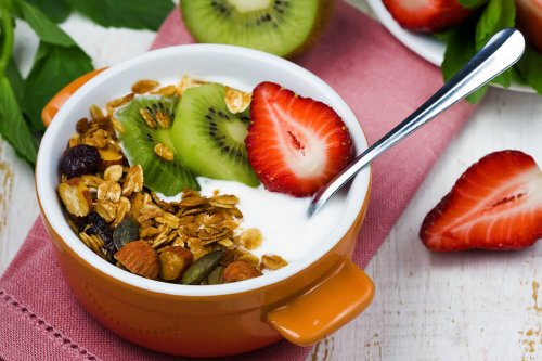 Greek yogurt, strawberries, kiwi and granola