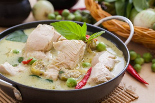 Low fat Thai green chicken curry with whole grain rice