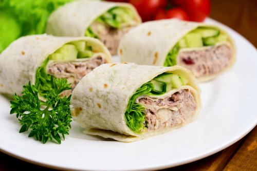 Tuna wraps with avocado, cucumber and lettuce